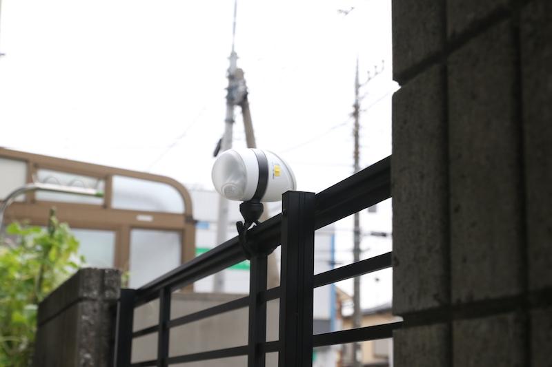 ライトとパネルの向きを変えられるので、縦でも横でも設置できる
