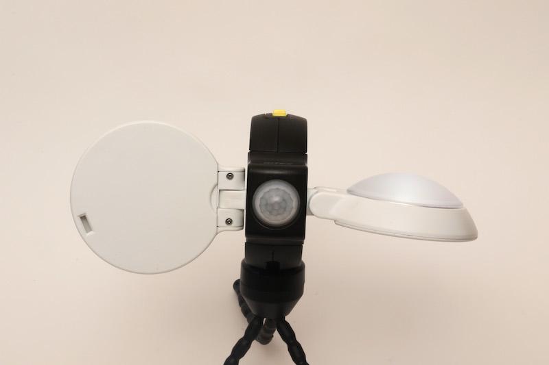 左右のライトはそれぞれ独立して向きを変えられる