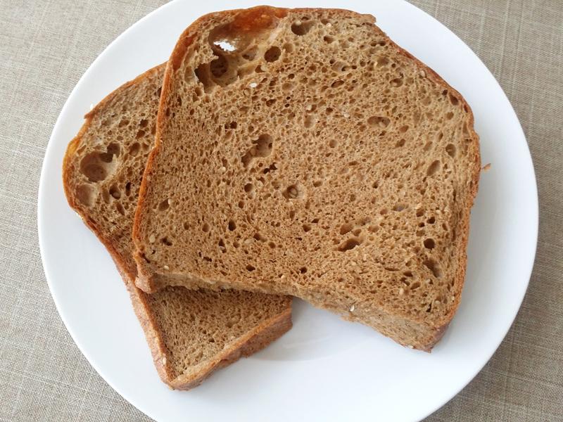 胡麻の風味が美味しい。プレーンなブランパンよりも食べやすい
