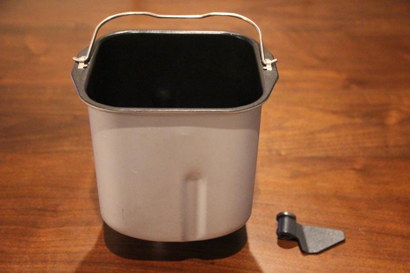 毎回手入れするのはパンケースと羽根。フッ素加工が施されていて洗いやすい