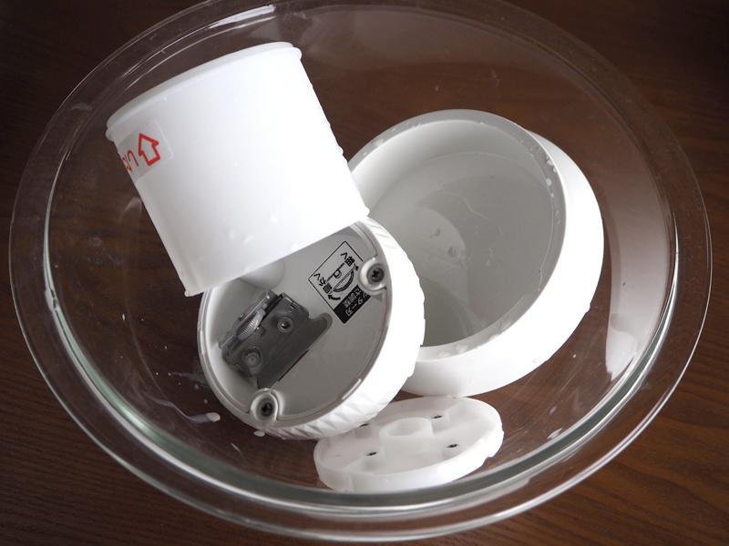 使い終わったあとは、パーツを分解して洗浄する。ダイヤル部分などに甘い氷などがこびりつくので使用後すぐに洗うのがオススメ