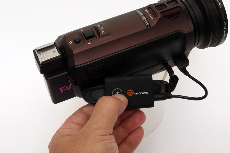 電源ボタンの長押しでペアリングモードで起動。スマホとのペアリングと違い、近くにあるBluetooth機器に自動接続するので、他の機器の電源を切っておくこと