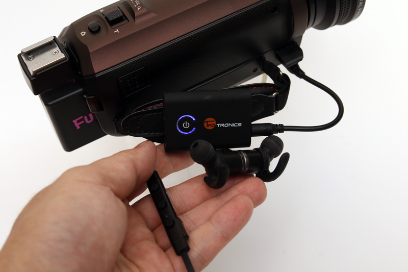 カメラの音声モニターがヘッドフォンから聞こえてくる