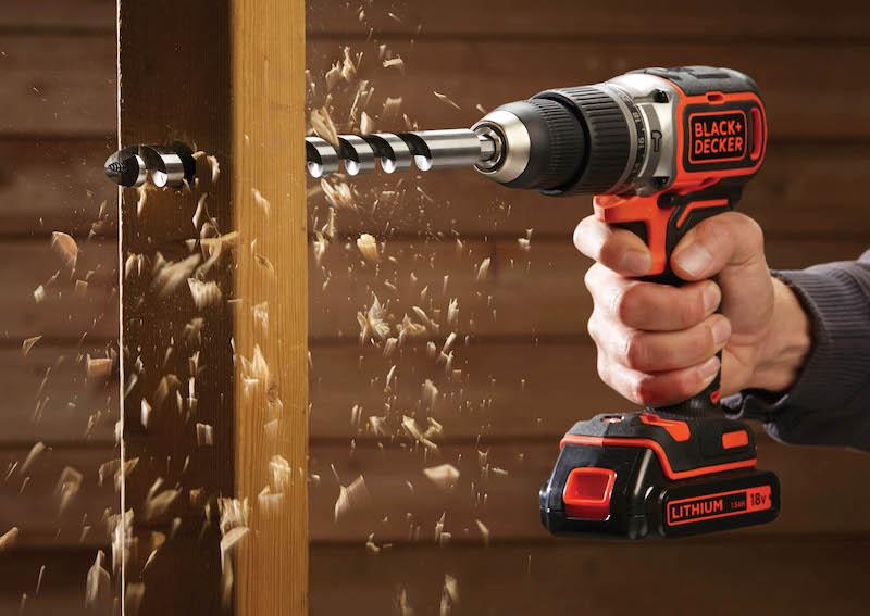 直径35mmの木材、同13mmまでの金属やコンクリートで穴あけできる