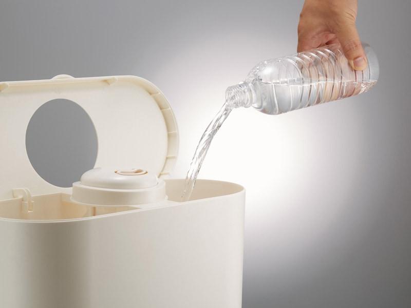 本体のフタやカバーを取り外すことで、直接給水できる加湿器