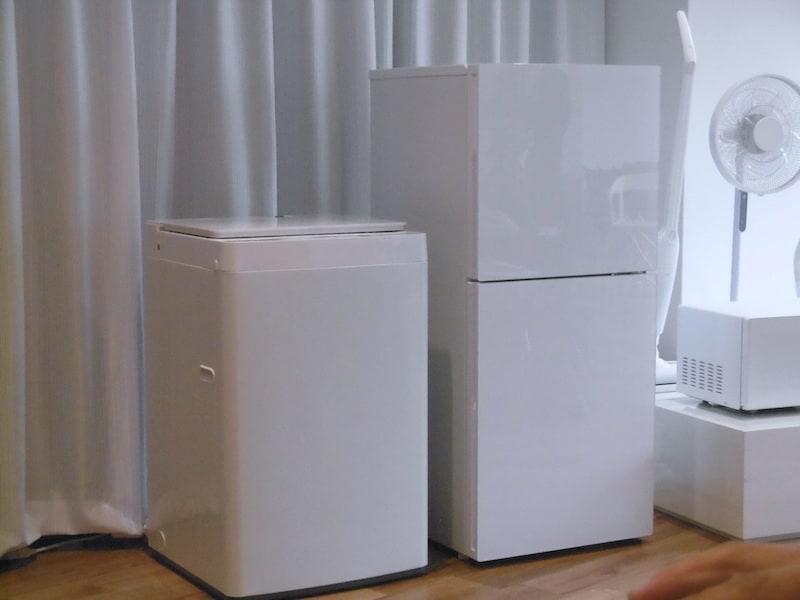 「2ドア冷凍冷蔵庫 ハーフ&ハーフ HR-E915PW」と「全自動洗濯機 5.5kg WM-EC55W」