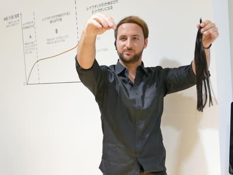 頭皮は亜熱帯のジャングル状態? しっかり乾かすことが重要~ダイソンのヘアードライヤーイベント 製品の開発に関わったダイソンのインテリジェンス エンジニアのSteve Williamson(スティーブ ウィリアムソン)氏