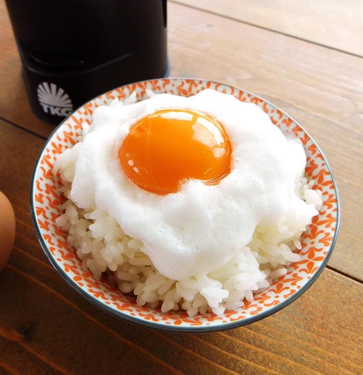 生卵の白身部分のみをメレンゲ状態にする