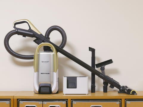 キャニスター型でコードレス!? とにかく軽い「ラクティブ エア」は掃除のストレスを大幅に軽減! シャープ「ラクティブ エア EC-AP500」