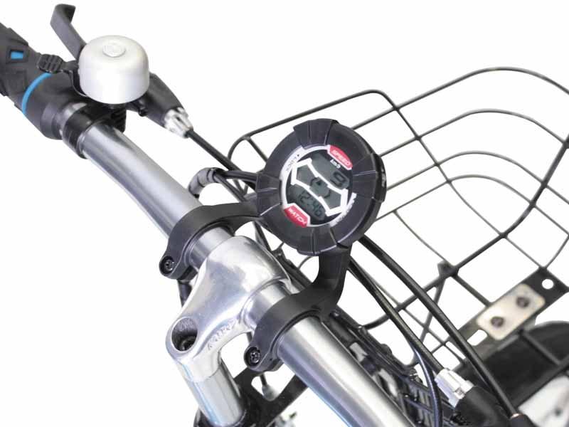 スピードメーターモードでは、自転車が走り出すと走行スピードをモニターに表示、速度に合わせて両サイドのインジケーターが増減する