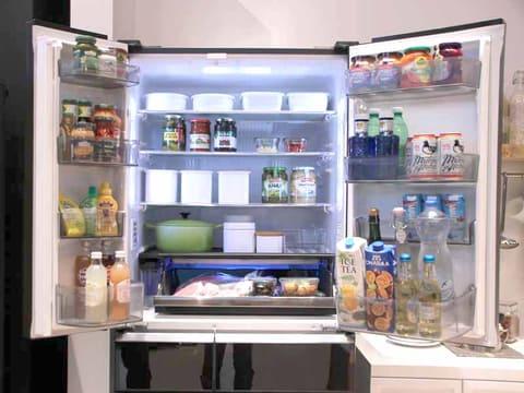 縮小傾向にあった冷蔵庫需要がやや上向きに。今後のトレンドは小・中容量モデルが牽引する!? 食品を長期保存できる機能がトレンド