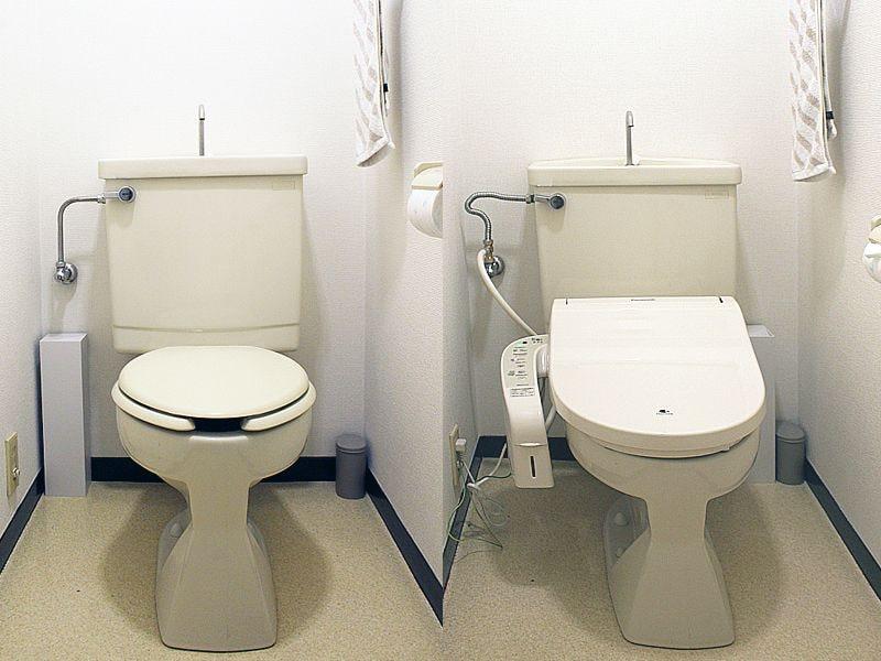 ビューティ・トワレの設置前(左)と設置後(右)