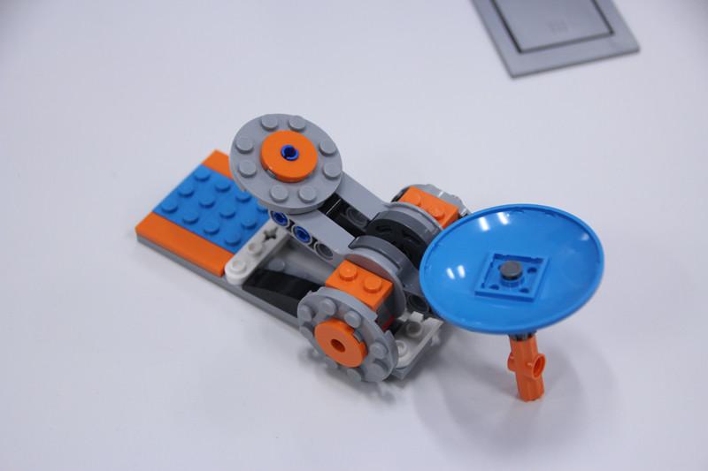 自動で組み立てられたブロック