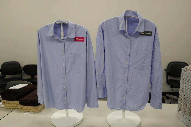 綿100%のワイシャツでも左のようにシワがない。これならアイロンがけせずとも、そのまま会社に着て行ける
