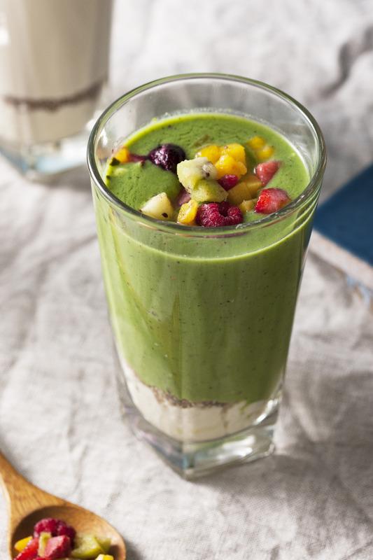 緑野菜と林檎の豆乳カムージー