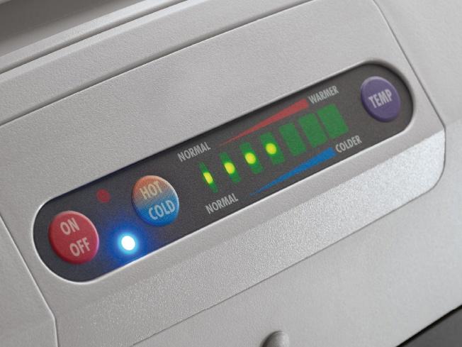 ボタン1つで保冷から保温に切り替えられる