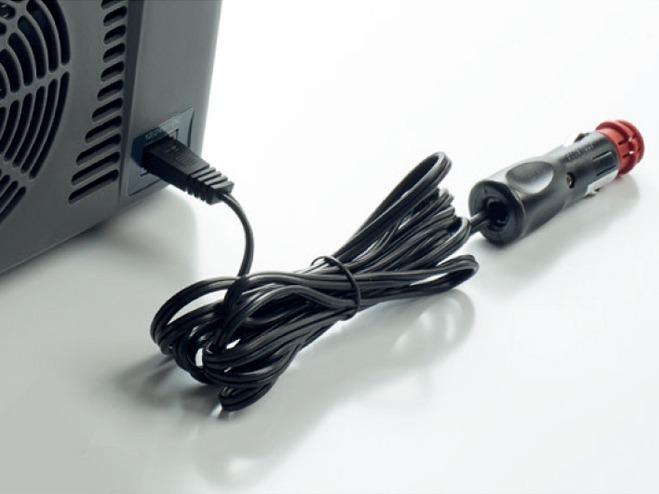 DC12V/24V用電源コードを付属