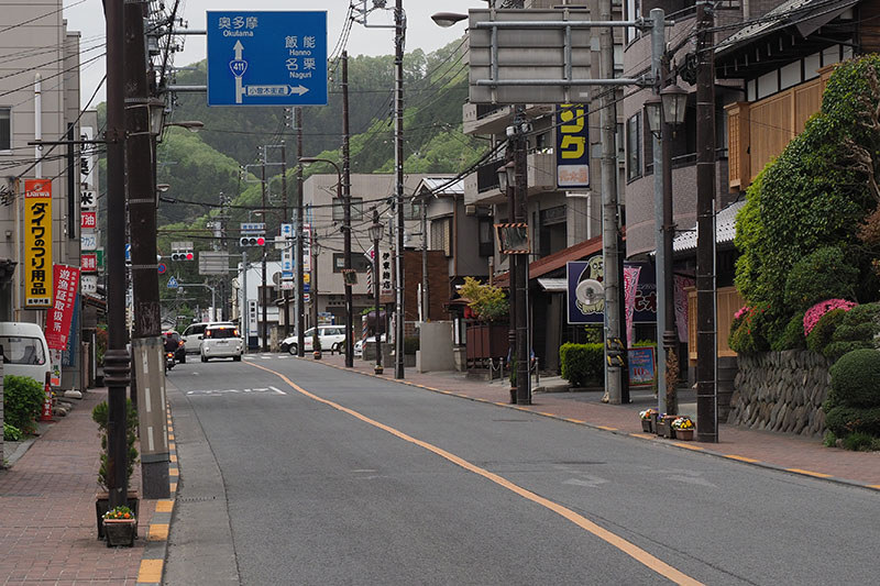丘陵を越えてしばらく走ると青梅市街。このまま進むと奥多摩に行けますが、今回は再度丘陵を越えて飯能市に向かいます
