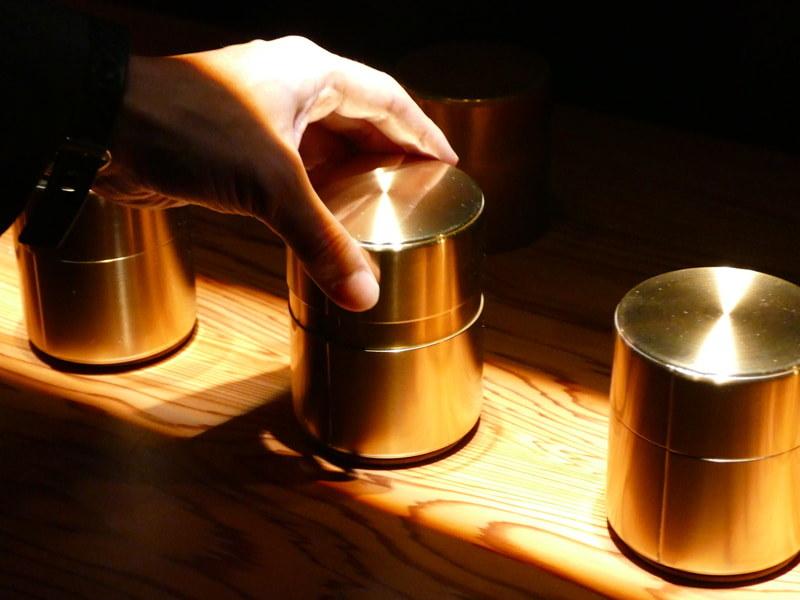茶筒の構造からヒントを得たコンパクトスピーカー「響筒」