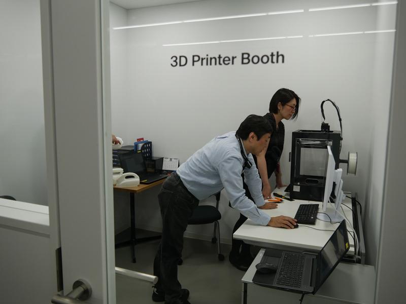 3Dプリンターを設置した部屋もある