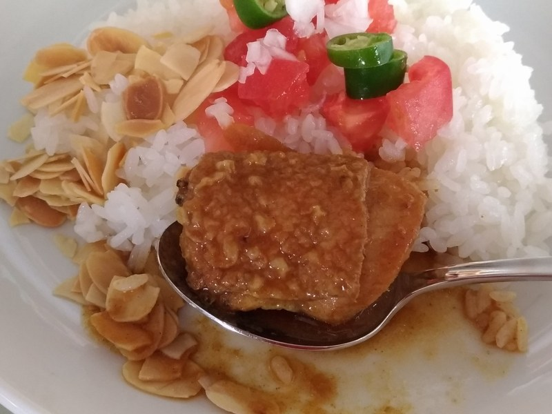 辛いがスパイスの深い味わいで何杯でもいけそうな「BALMUDA The Curry」