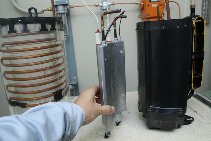 寒冷地仕様のエオリアには、アルミでできたヒーターユニットをエネチャージシステムにadd on! 熱源が足りなくなったら、ヒーターで熱源をカバーするので、寒冷地で霜取り運転をしても寒くない!