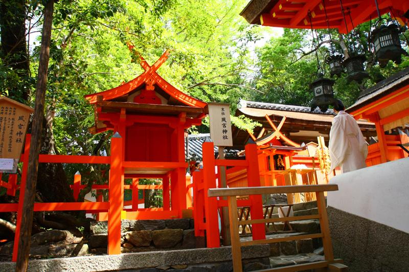 春日大社の中にある「風宮神社」。こちらは風の神様で、伊勢神宮にもお祭りされている