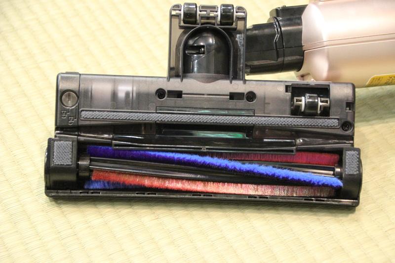 サイクロン気流を発生させる「サイクロンパワーヘッド」を搭載