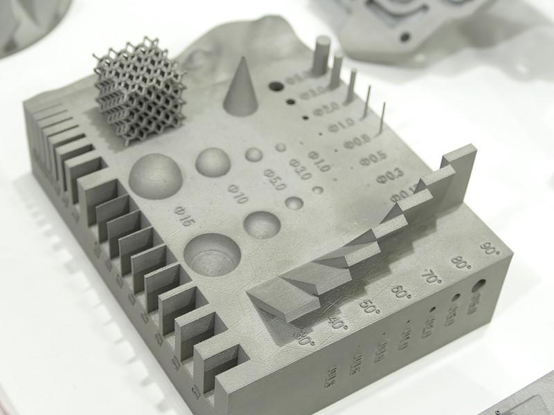 SOLIZE Productsのブースに展示されていたサンプル。こんな複雑な形状も