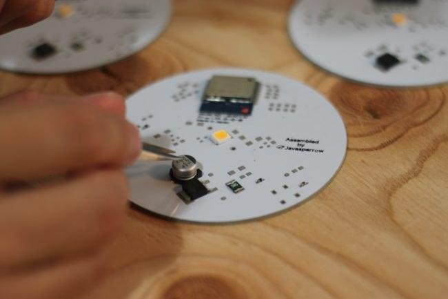電気設計はフロントエンドエンジニアの國舛さんが自ら担当