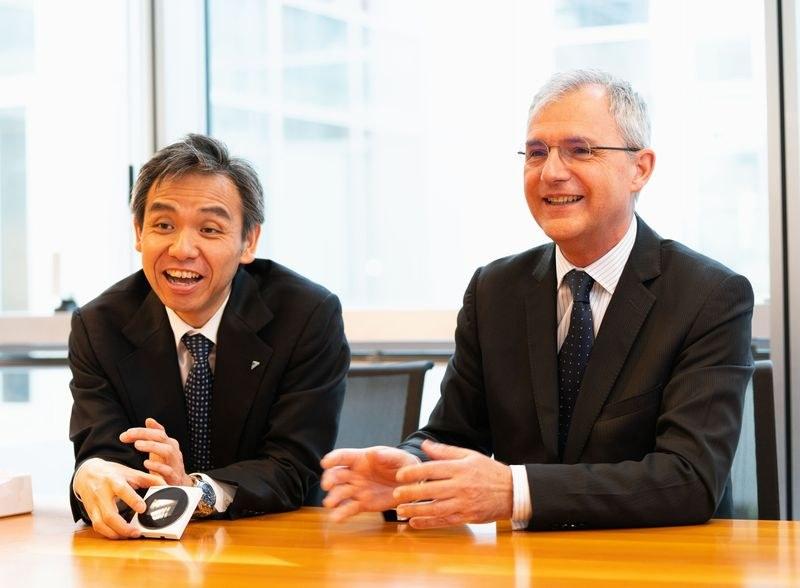 ダイキンエアコンデショニング イタリア社取締役社長の亀川隆行氏とマーケティング部長のマルコ(Marco Dall'Ombra)氏