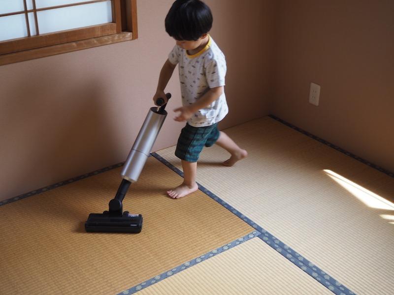 小さな子どもに掃除を手伝わせるのにも良い長さ