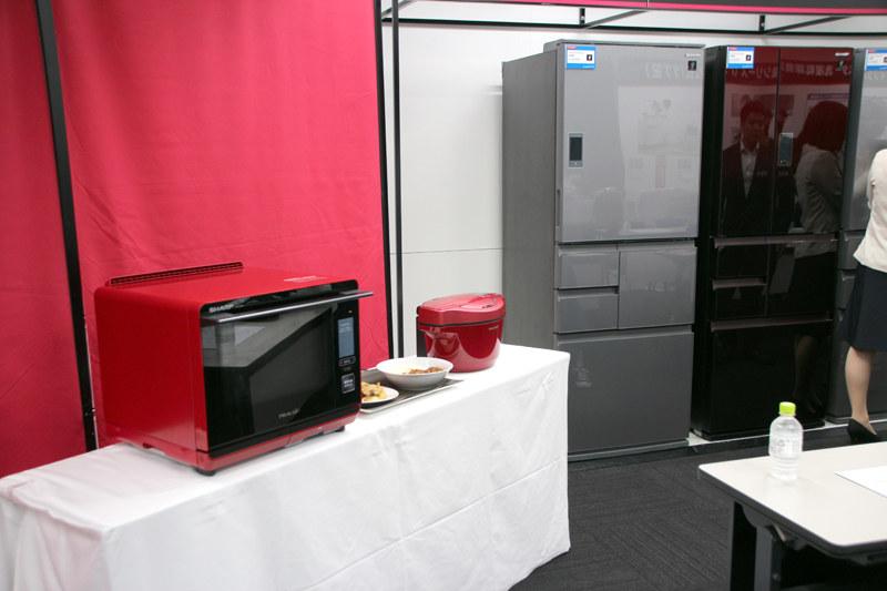 無線LAN搭載のウォーターオーブン「ヘルシオ」や、電気無水鍋「ホットクック」と連携可能になった