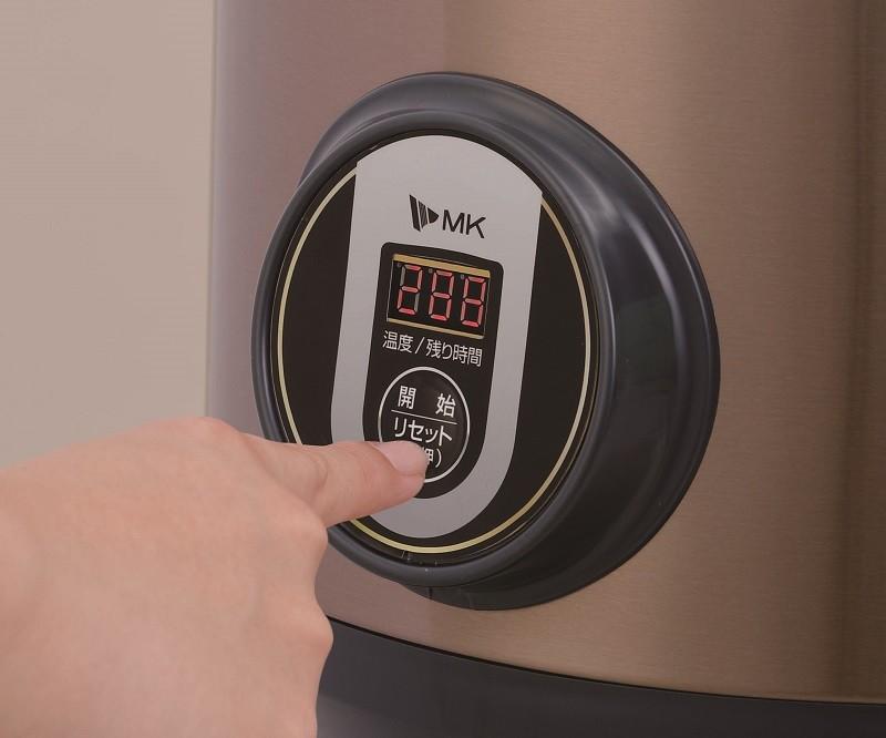 操作部。できあがり時間と庫内温度を交互に表示する