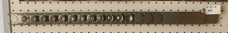 左から順に加工されている。実際のモノとは異なるが、徐々に加工するというサンプル