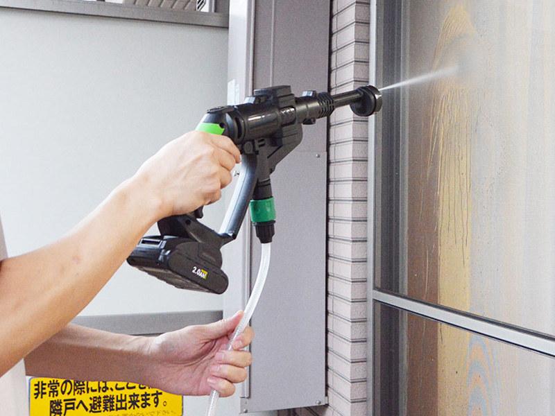 窓や網戸掃除に活用