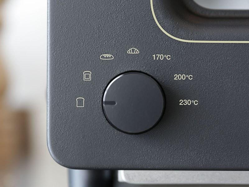 現行製品の操作部は温度表示となっている