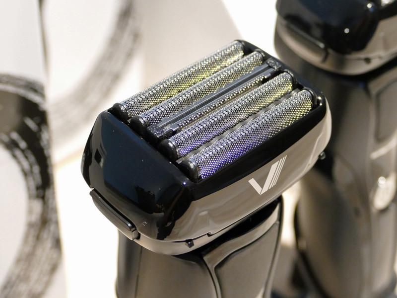 圧力分散で肌に優しい5枚刃は、高耐久ステンレス刃を採用