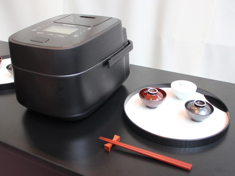 高級炊飯器「Wおどり炊き」で炊いた新米を食べ比べできる体験イベント「OKOME STORY MUSEUM」