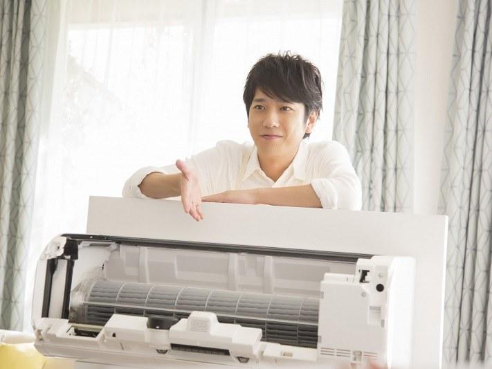 二宮 和也さんが出演する「エアコンで洗えるハピネス」篇