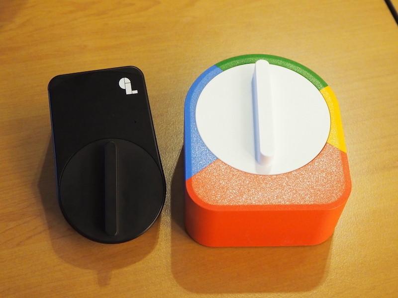 右が「SESAME(US版)」で左が日本向けに新開発した「SESAME mini」