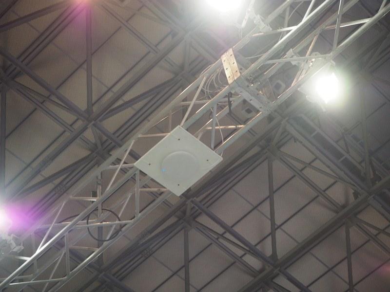 天井に設置された受信機