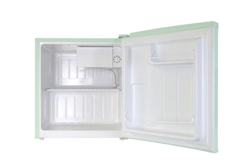 庫内レイアウト。右上には製氷室を搭載