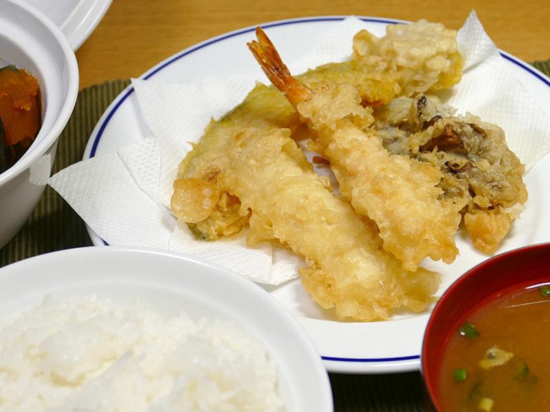 温め直しとは思えないほど、天ぷらはサックリと風味豊かに美味しく温まった