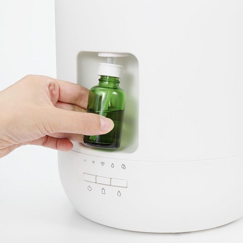 アロマオイルの瓶を直接セットできる