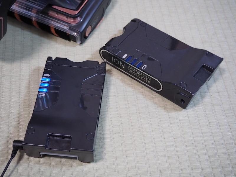 バッテリーを2個同梱