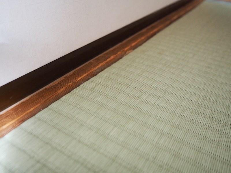 畳の縁のゴミが入りやすい場所も、しっかりと吸い取ってくれている