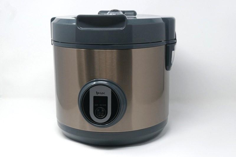 エムケー精工「黒にんにくメーカー BG-05T」。本体サイズは280×290×280mm(幅×奥行き×高さ)と炊飯器ほど