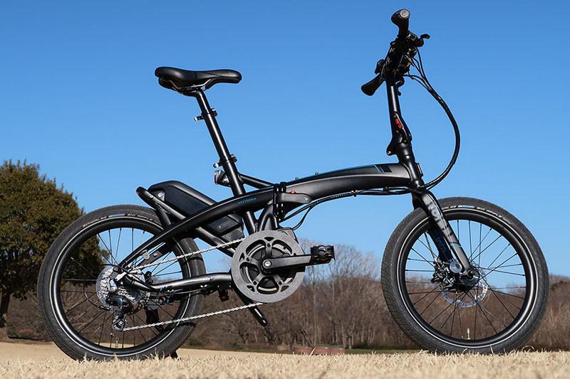 Vektron S10は20インチサイズ(406規格)のタイヤを採用したミニベロタイプのe-bikeです。車体重量は22.1kg