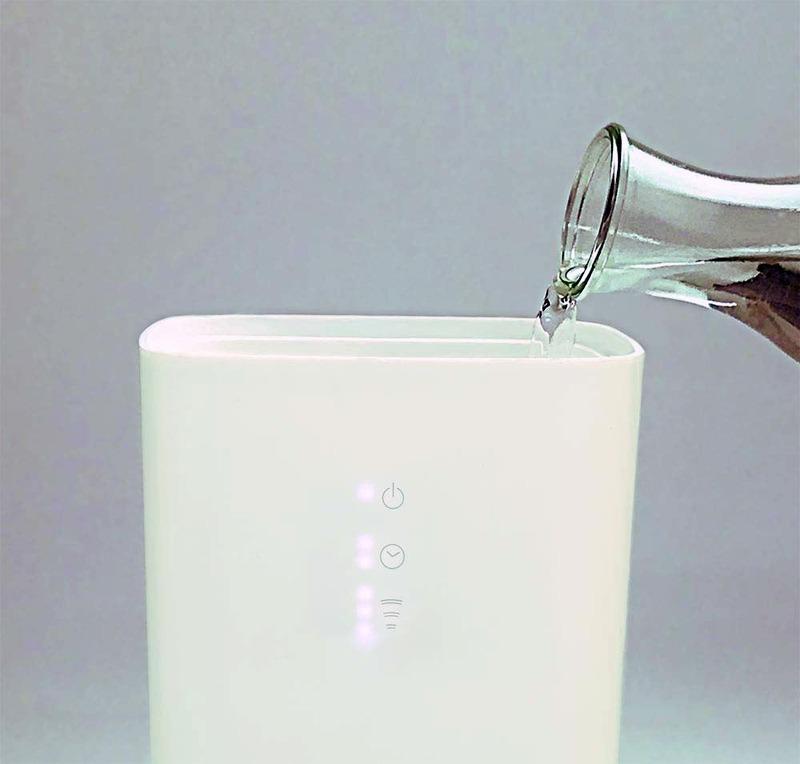 タンクを持ち運ばずに給水できる上部給水を採用